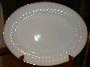 LARGE OVAL ANCHOR HOCKING PLATTER