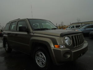 2008 JEEP PATRIOT SPORT-LEATHER--ONE OWNER---106,000KM Edmonton Edmonton Area image 6