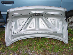 97 – 98 Lincoln Mark VIII Trunk Lid London Ontario image 2