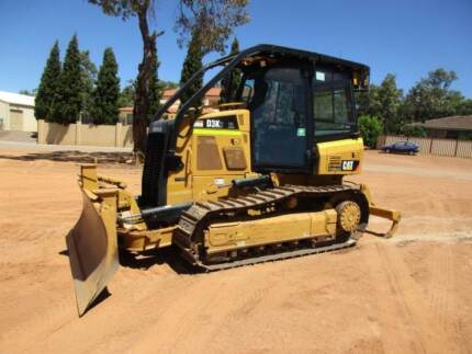 DOZER D3K2 XL 2014 MODEL WITH RIPPERS, 685 HOURS