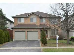 Luxury X-Large House for rent, Ancaster Prestige Location