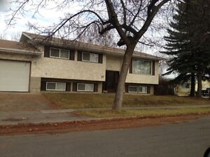 St. Albert 3 Bd.  ,  2 Mths of 1/2 off + heat /water Included!