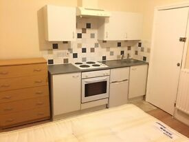 !!!!!!!!!DOUBLE BEDSIT WITH SHARED GARDEN TO RENT - WESTHAMSTED!!!!!!!!