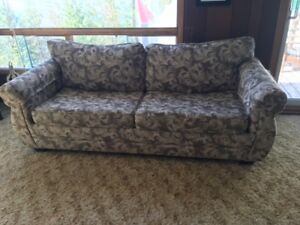 Bed / chesterfield for sale