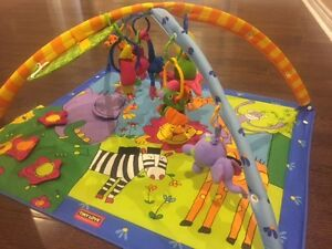 Tiny Love Gymini: Super Deluxe Lights and Music Play Mat