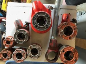 Ridgid Pipe Threader with pipe, 8 disks and 4 ratchets