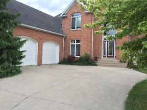 134 MCMURREN, Lakeshore Custom Built 2 Storey {Orchard Park}