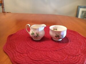 """ MAYFLOWER "" OPEN CREAMER And SUGAR  BOWL:NEW PRICE"