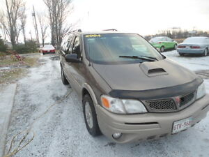 2004 Pontiac Montana Brown cloth Minivan, Van