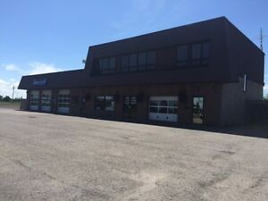 Niagara Falls lot With buildings & cell tower lease. good income