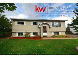NEW PRICE! Spacious home located in West Riverview. 2 Irving.