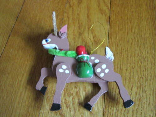 Wood Reindeer Christmas Ornament Cute 3D Look Gold Antlers (chipped) FREE SHIP