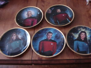 5 plates from-Star Trek The Next Generation Plate Collection