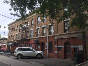 GREAT LOCATION - 2 Bachelor units available - 139 Cowan Ave.