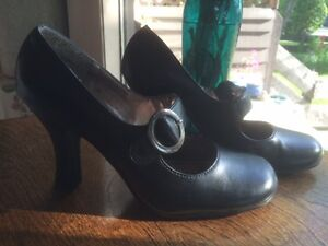 Black shoes with buckle, Spring, 7-8, Glendale area