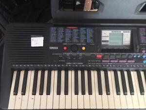Yamaha Keyboard & Keyboard Stand
