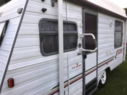 #1906, Windsor16' pop/top,Roll/out awning+walls Island bed,