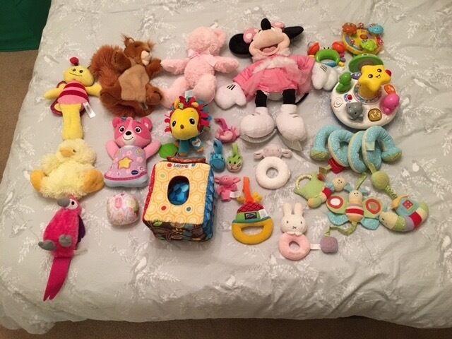 Baby toy stocking filler bundle inc. Lamaze, V-Tech, Mini Mouse & Cot Spiral