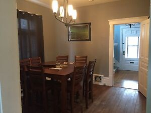 Rooms for rent ~ Beautiful large home ~ On bus route