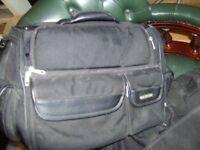 CASELOGIC LAPTOP BAG LOW USE MULTI COMPARTMENT QUALITY ITEM VGC PLUS HUGO BRANDED BAG
