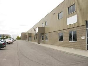 3300 SQ FT OF INDUSTRIAL SPACE MANY USES 5 YEARS NEW Kitchener / Waterloo Kitchener Area image 2