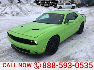 2015 Dodge Challenger SCATPACK 6.4L Navigation (GPS),  Leather,
