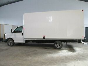 2014 GMC Savana 3500 16 FT. UNICELL CUBE