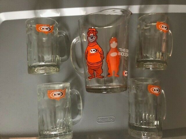 Vintage A&W Root Beer Glass Serving Pitcher With 4 Glass Mugs