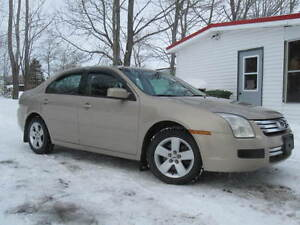 WOW (ONLY 87000 kms.) & NEW MVI 2006 Ford Fusion SE Sedan