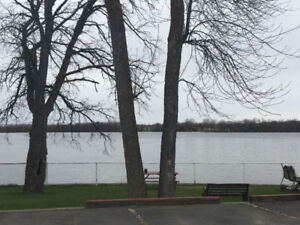 3 1/2 Waterfront Apartment West Island Available July 1st