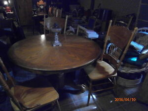 TABLE ET CHAISE CUISINE ANTIQUE