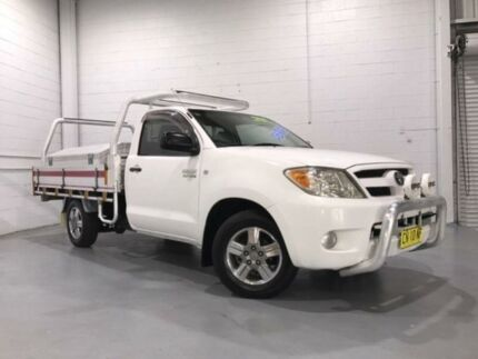 2005 Toyota Hilux RZN149R Workmate White 5 Speed Manual Cab Chassis