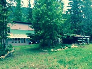 KOOTENAY HOME ON 3 ACRES