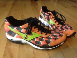 Running Shoes, Mizuno, size 8.5