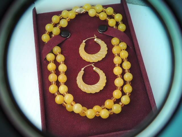 GORGEOUS SOLID 14K GOLD LONG YELLOW JADE BEAD NECKLACE w MATCHING EARRINGS