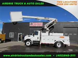 2006 INTERNATIONAL 4300 TEREX  BUCKET TRUCK !!