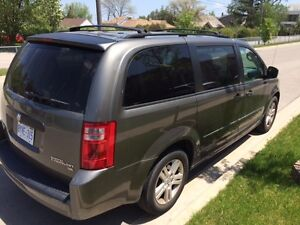 2010 DODGE CARAVAN SE -( STOW and TOW storage)