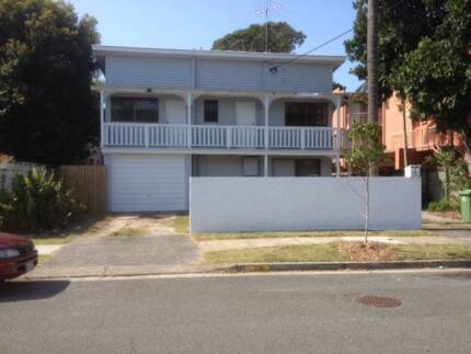Spacious Broadbeach Cottage with Pool next to beach Broadbeach Gold Coast City Preview