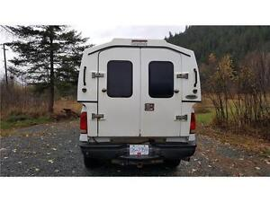 2005 Ford F350 4X4 With CARGOBODY ONLY 142,953 kms! Prince George British Columbia image 7