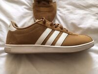 ADIDAS NEO TRAINERS - SIZE 8 - AS NEW