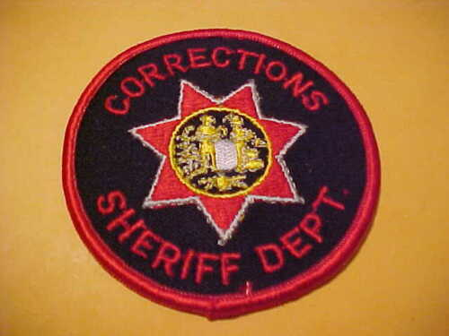 WAYNE COUNTY W.V. CORRECTIONS POLICE PATCH SHOULDER SIZE UNUSED 3 X 3 INCH
