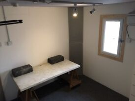Music Production/Writing suite in Hackney. Sound proofed room with AC and wifi bills included.