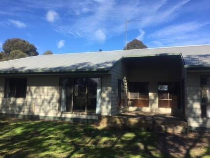 Weatherboard relocatable home for sale, 25sq, 3 bdrm 2 bathroom