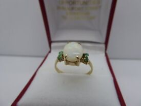 HALLMARKED CT GOLD WITH OPAL AND EMERALD 2.2 GRAMS SIZE O
