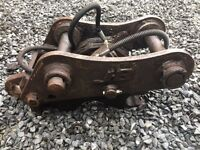 Hydraulic Quick Hitch to suit 6 Ton Digger or Similar - 45mm Pins