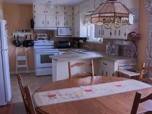 3 Bdrm Country Home with Mountain Views, Barn + 8 acres land West Island Greater Montréal image 3