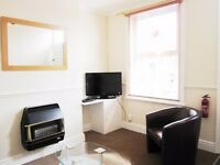 Spare room in a 2 bedroom house close to York city centre