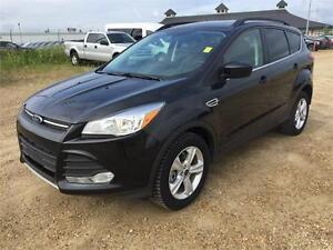 2015 Ford Escape SE AWD w/Leather, Navigation, and More!
