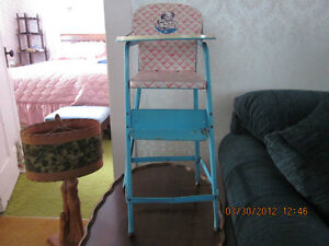 VINTAGE 1960's Tin Doll High Chair