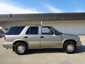 2000 GMC Jimmy SLE SPORT 4X4--4.3L V6 -GREAT SHAPE IN AND OUT